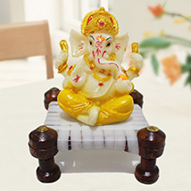 Cute Ganesha on Chowki