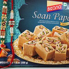 Rakhi with Soan Papdi /></a></div><div class=
