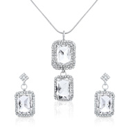 Oviya Beautiful Rendezvous Pendant Set
