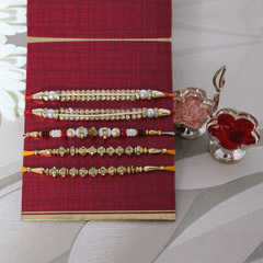 Red N Gorgeous Rakhi Set