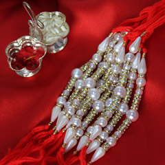 Perfectly Pretty Rakhi set