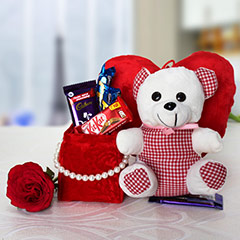 Red & White Hamper