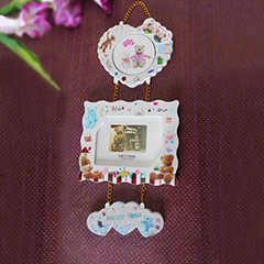 Hearty Wall Mounted Photo Frame!