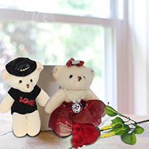 Couple Teddy with a Rose