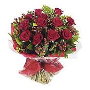dozen roses-berry-bouquet